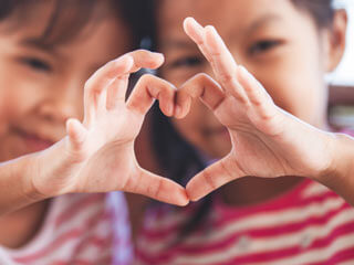 Kinder in Not Herz