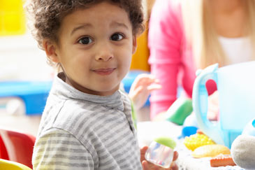 Kinder in Not Kinderkrippe