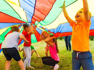 Kinder Sommercamp Spielen
