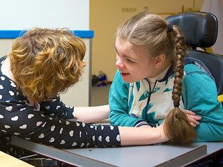 Kinderhilfe Österreich Therapie Kind