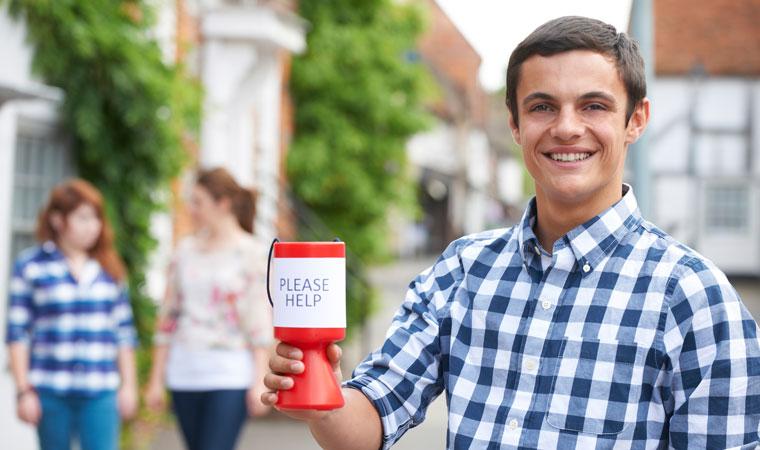 Spenden sammeln: Fundraiser/innen, Außendienstmitarbeiter/innen